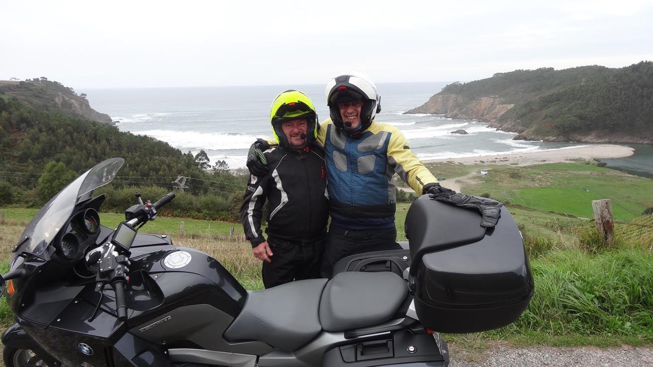 juntos decidimos ir a Cabo Norte en moto